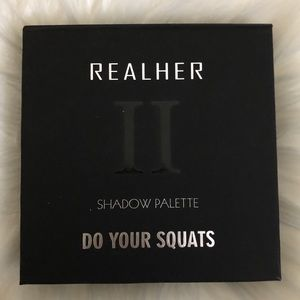 REALHER • Do your squats eyeshadow palette II